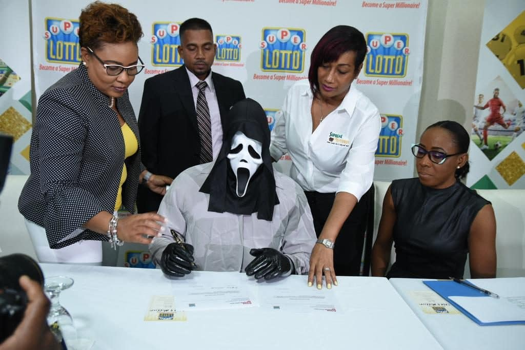 super lotto loteria jamaicana máscara do panico (1)